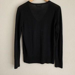 Everlane Sweaters - Everlane black V neck wool long sleeve sweater